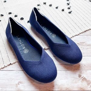 Rothy's Retired White Halo Navy Blue Flats Sz 8.5